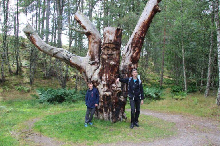Frank Bruce Sculpture סקוטלנד