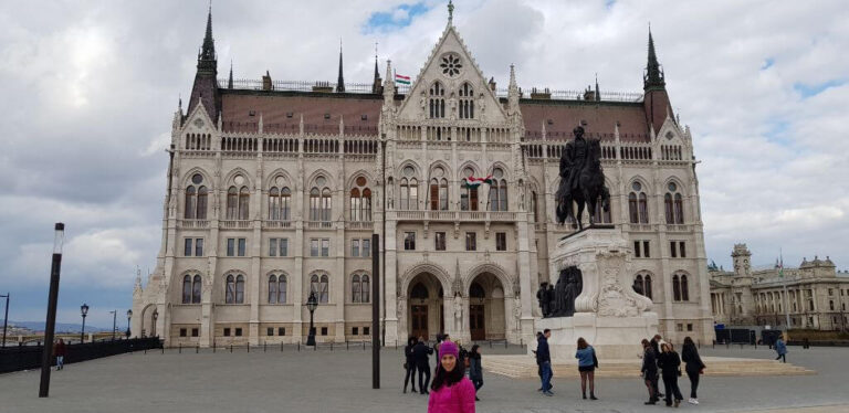 """בודפשט בניין הפרלמנט סופ""""ש זוגי תכנון טיול"""
